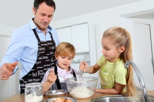cooking-dads_shutterstock_69170254