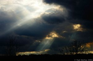 Sun_Rays_Breaking_Through_Clouds_In_Wales_A8V9537