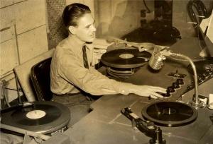 Radio_DJ_630