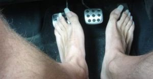 long-toe-nails