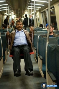 funny-fun-humor-amazing-seat-train-metro-man-sitting-pic-pics-images-photos-pictures-600x